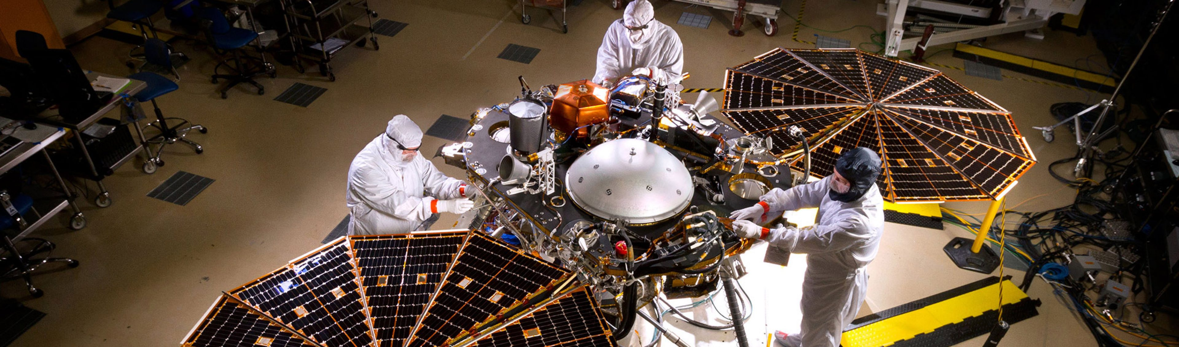 InSight Lander in Mars surface configuration. Image courtesy of NASA/JPL-CALTECH/LOCKHEED MARTIN