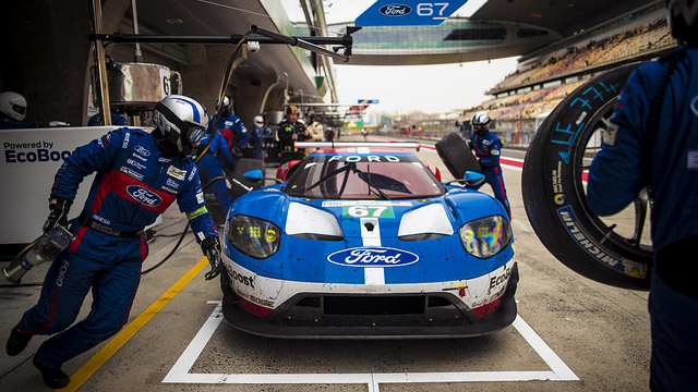ford_gt_slideshow_3.jpg